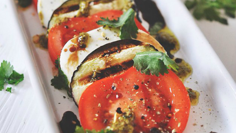 A tojásgyümölcs, vagyis a padlizsán (Solanum melongena)