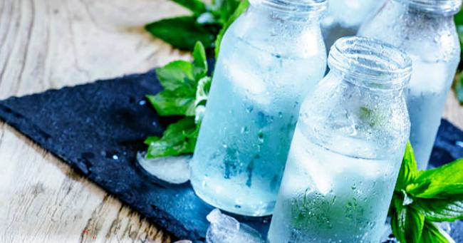 Két egyszerű ötlet, amivel több víz csúszik le a szervezetedbe